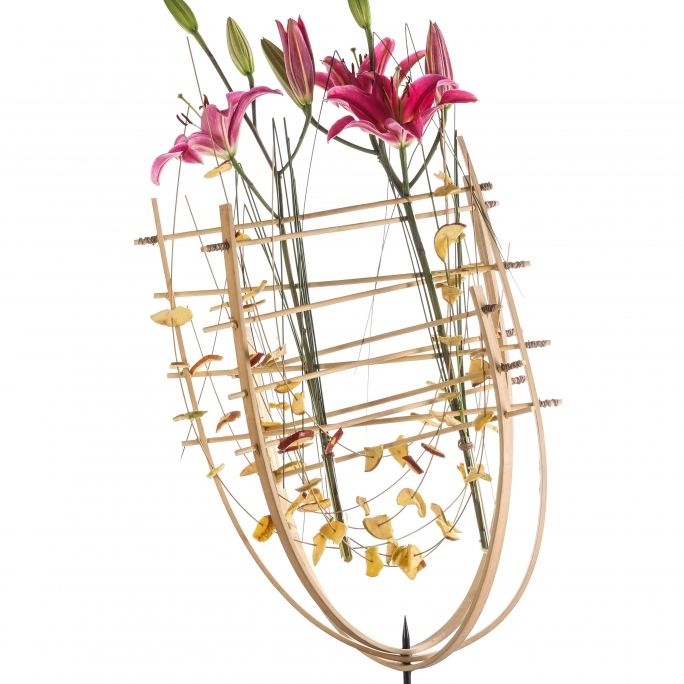 design with lilies by Pim van den Akker at Sikastone